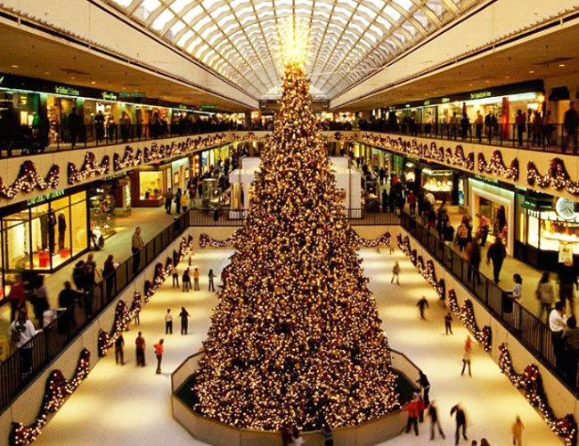 Shops working hours over Christmas in Greece