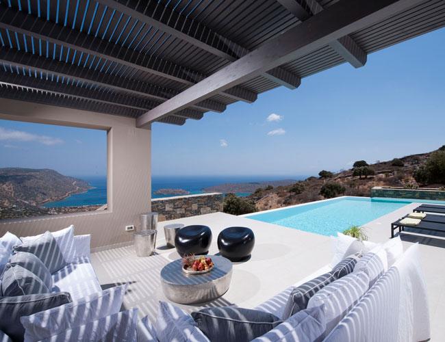 Все більше іноземців купують нерухомість в Греції