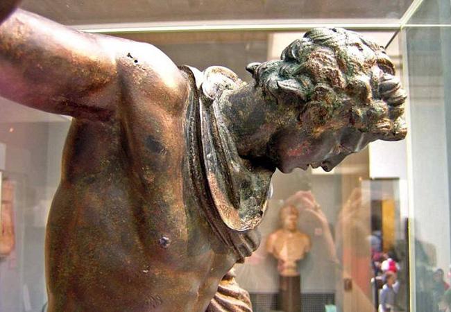 Памятник в Амфиполе посвящён Гефестиону