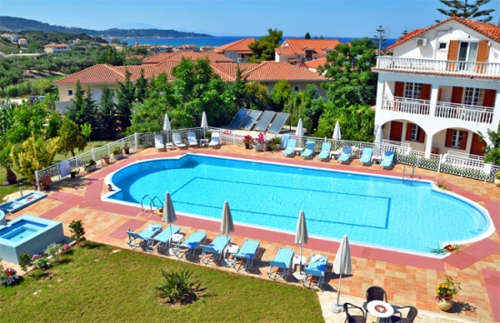 General Hotel Satisfaction Index: Greece outperforms rival destinations throughout 2015
