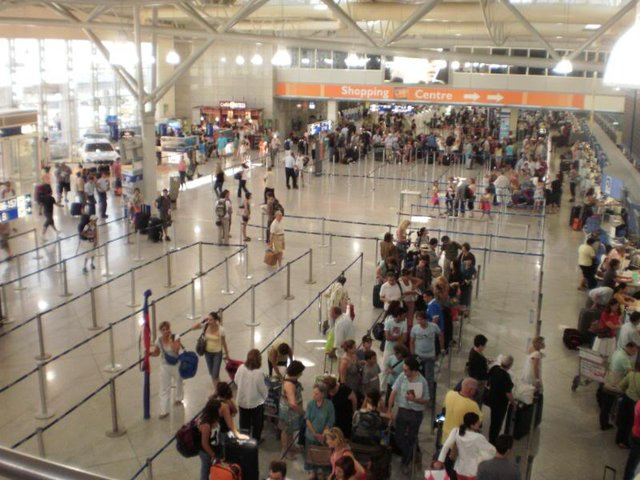 Passenger traffic at Athens airport flies higher