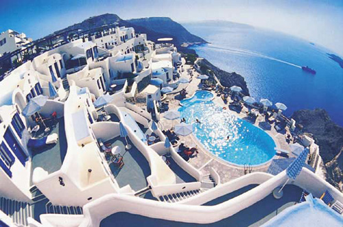 Два ресторана на острове Санторини вошли в список ресторанов со всего мира с изумительным видом