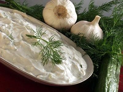"""Рецепт греческого соуса """"дзадзики"""""""