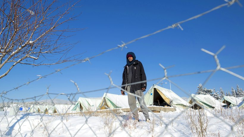 Rotes Kreuz fordert feste Unterkünfte für Flüchtlinge