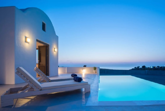 Greece Among Top-7 Luxury Destinations of Americans in 2018, Report Says