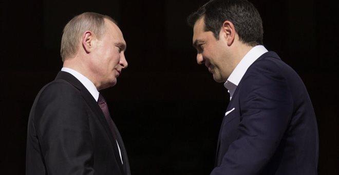 Επαφές Τσίπρα με Πούτιν και Μεντβέντεφ στη Μόσχα