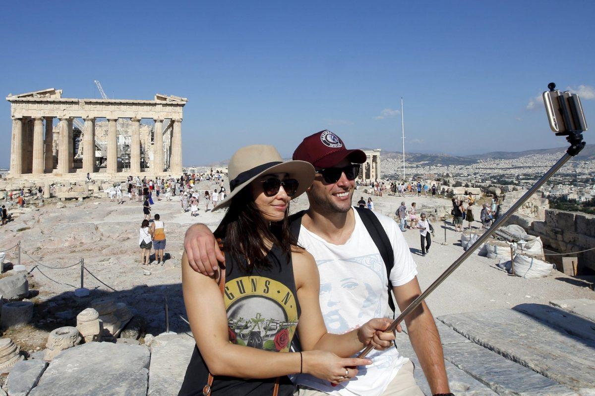 К 2021 году количество посещающих Грецию туристов достигнет 35 миллионов