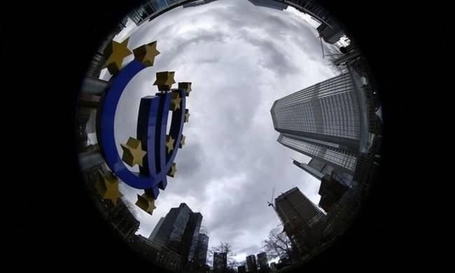 Συμβιβαστική λύση προσφέρουν Βρυξέλλες και ΔΝΤ στην Αθήνα