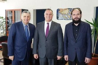 Встреча антиперифериарха п-ва Халкидики с президентом Mouzenidis Group
