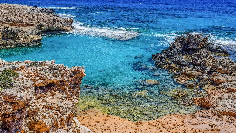 Отели на Кипре забронированы почти на 100%