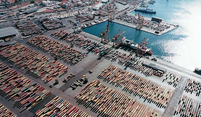 New COSCO Deal Creates 'Piraeus Free Zone' With VAT-Free Spare Parts for Shipowners