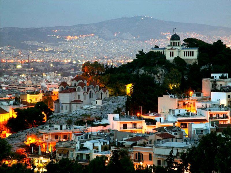 Афины, Салоники, Крит и Санторини – в предпочтениях иностранных туристов на Пасху.