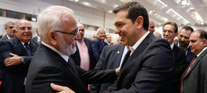 Spiegel: Σαββίδης και Τσίπρας οφείλουν πολλά ο ένας στον άλλο