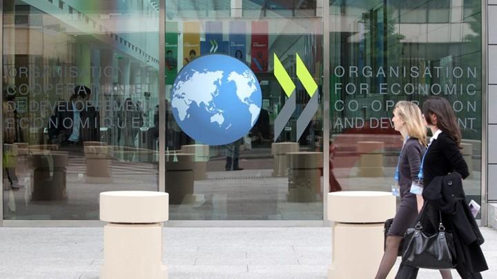 Έκθεση του ΟΟΣΑ: Οι… τεμπέληδες του νότου δουλεύουν περισσότερο από κάθε άλλο Ευρωπαίο