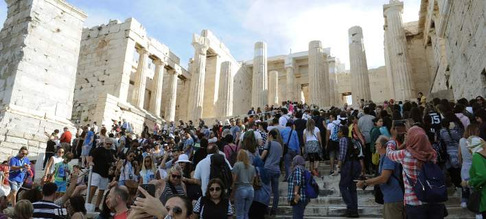 Die Presse: Διπλασιάστηκε την τελευταία πενταετία ο αριθμός των τουριστών στην Ελλάδα