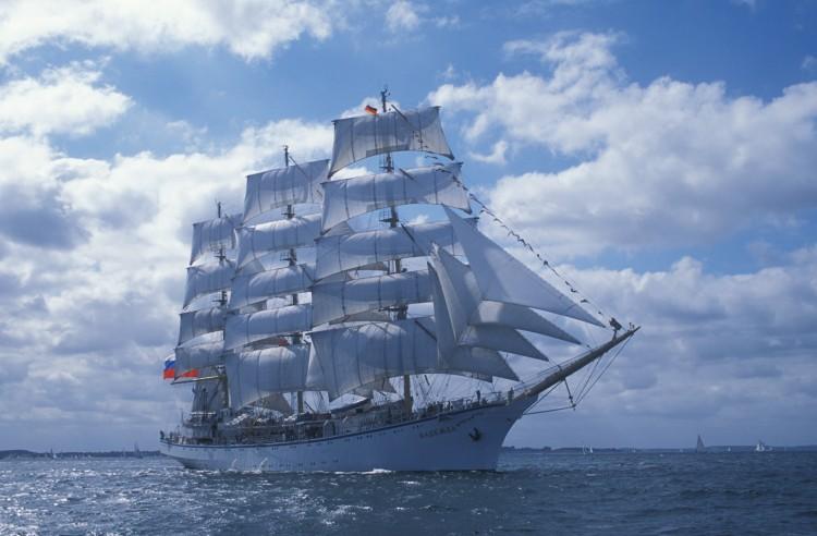 Учебное судно российского флота прибудет в Салоники 20 октября
