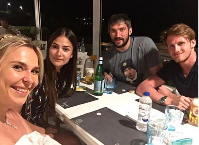 Греция-выбор российских звезд для отдыха