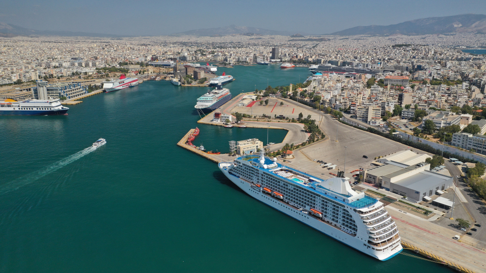 Cosco plans to make Piraeus the largest port in the world