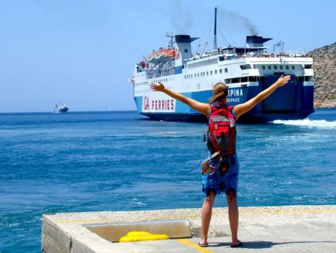 Сезон скидок на паромы для первокурсников Греции