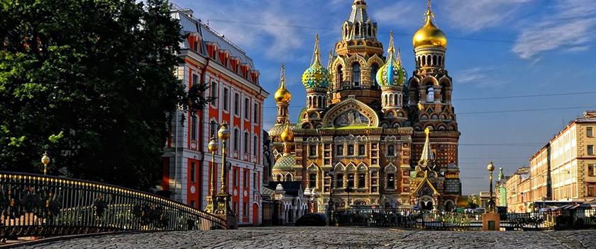 Εγκαίνια τμήματος βιβλίων ρωσικής λογοτεχνίας στο Βιβλιοπωλείο Μαλλιάρη