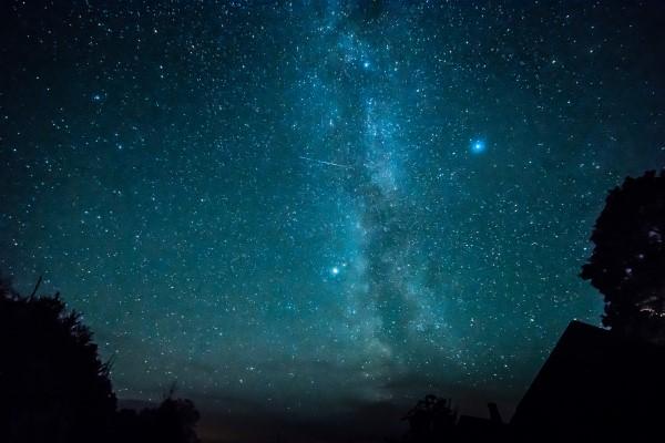 Самый яркий звездопад 2019 года – повод купить билет на Кипр в августе