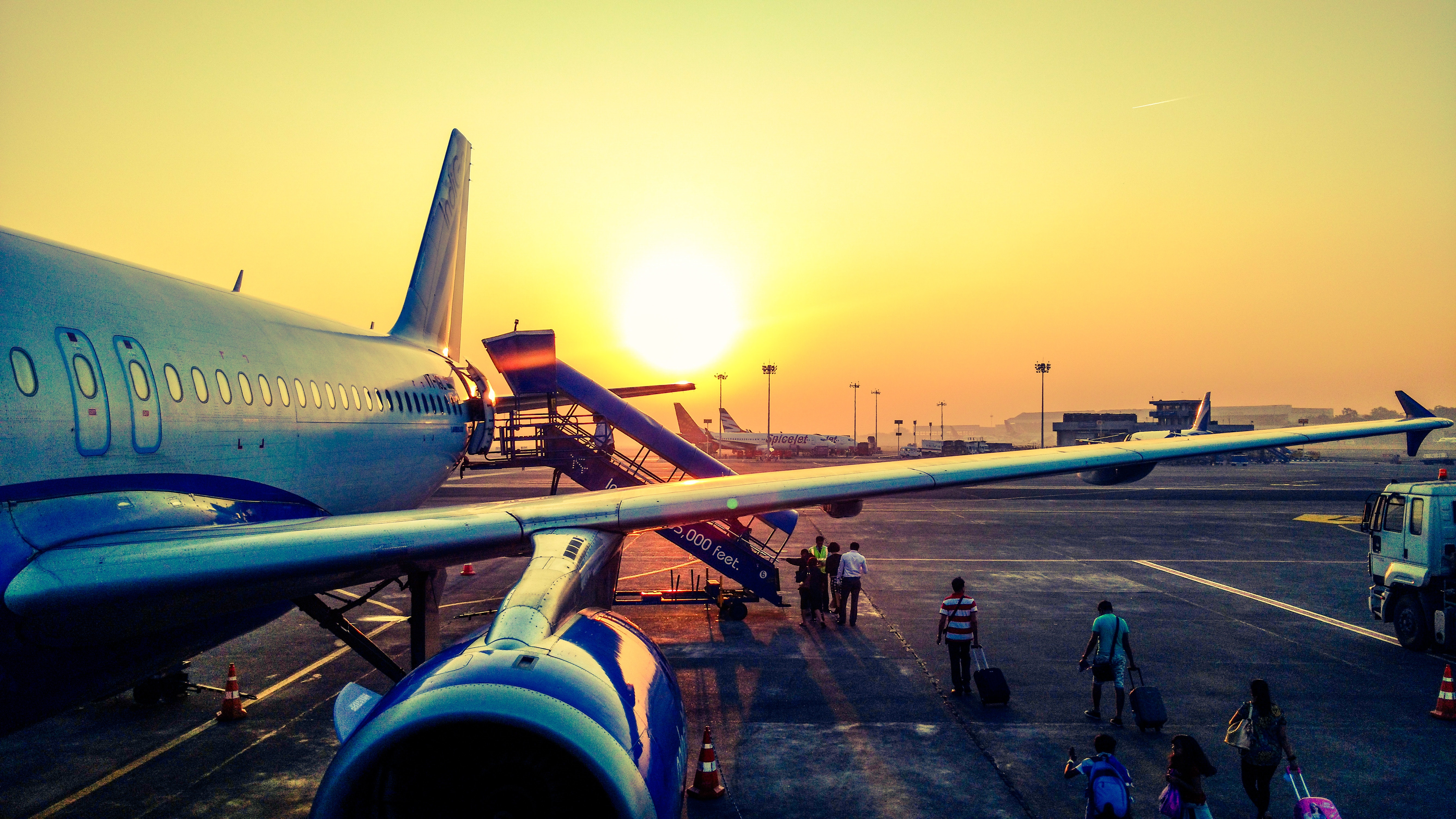 Greek airports raise a tax to € 18.5