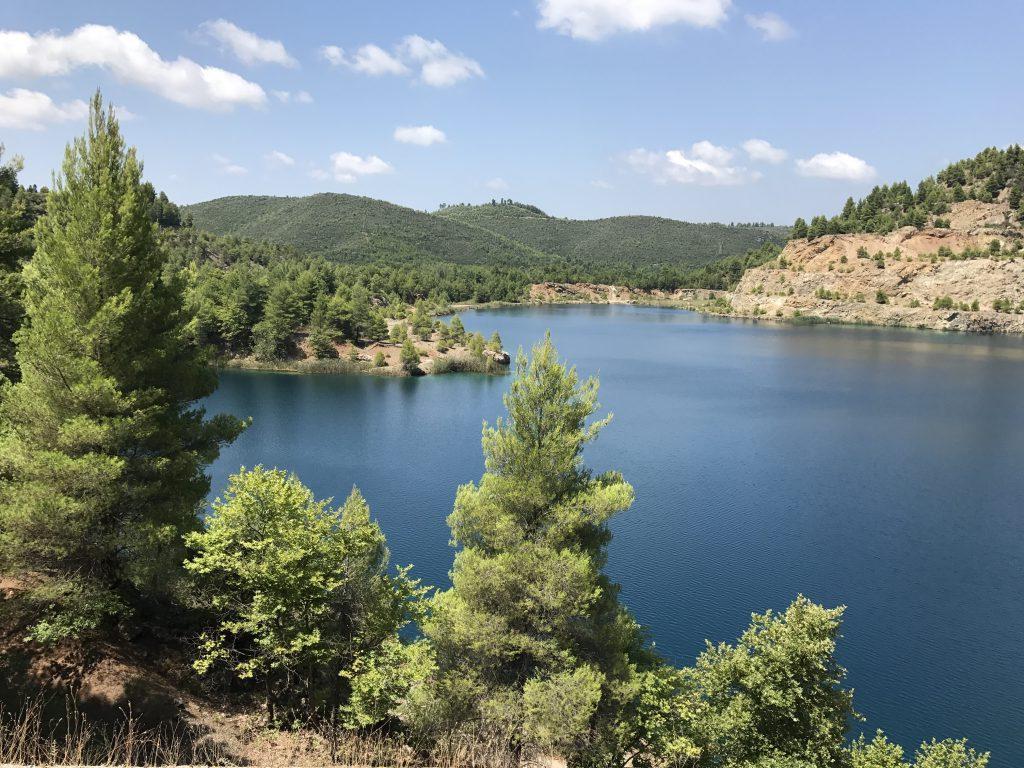 Τα ορυχεία στην Βόρεια Εύβοια που έγιναν… αλπικές λίμνες