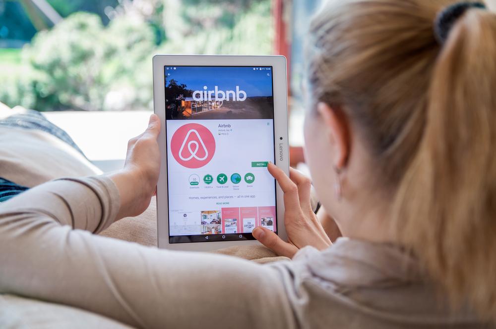 Airbnb в Греции набирает обороты!