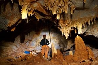 Обнаружена самая красивая пещера Аттики