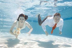 Подводная свадьба в Греции!