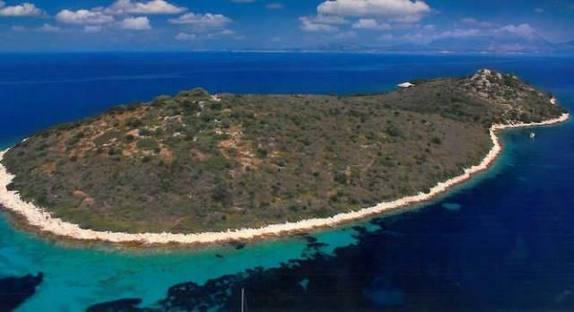 Бред Пітт і Анджеліна Джолі купують грецький острів