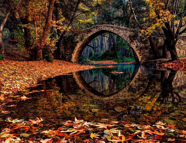 10 most beautiful autumn destinations in Greece.
