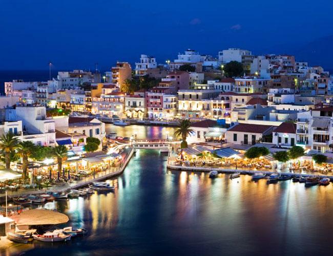 Tourist season on Easter holidays in Crete