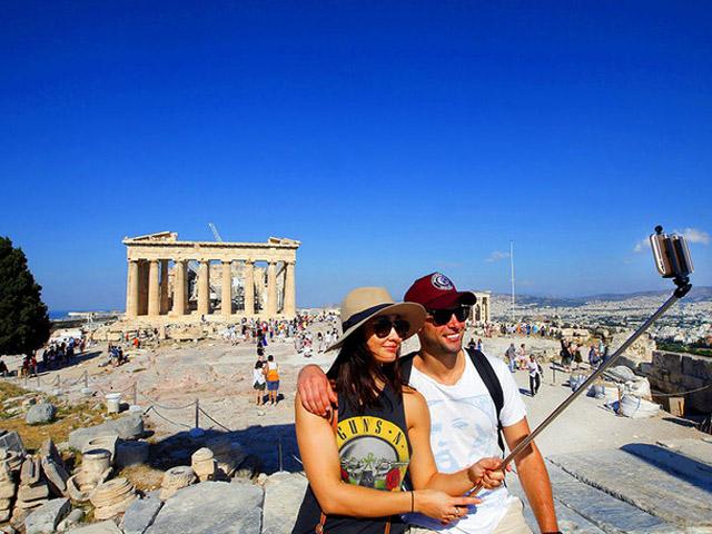 Любов до Греції в 2015 році коштує 10,4 мільярда євро