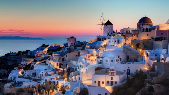 Санторини вновь признан самым красивым островом в Европе в 2015 году