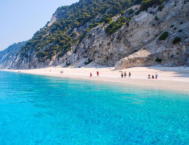 Три грецьких пляжи в десятці кращих в Середземному морі!