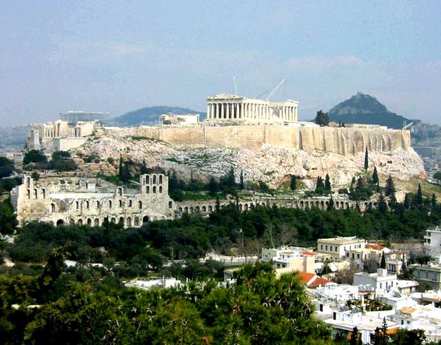 Акрополь находится на втором месте в списке мест которые каждый должен посетить.