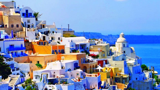New popular destination for Russian and German tourists- Greece