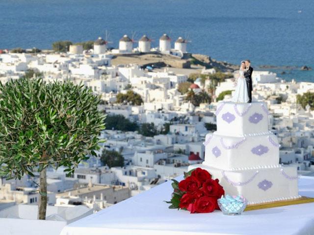 Пишні весілля магнатів - новий вид інвестицій в Греції