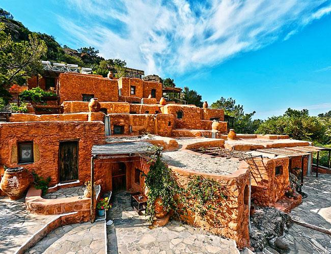 Необычная гостиница на Крите