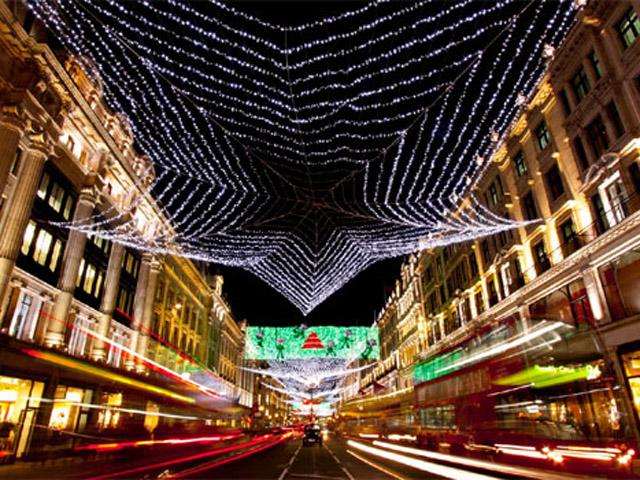 Афіни дають старт Різдву і запалюють святкові вогні