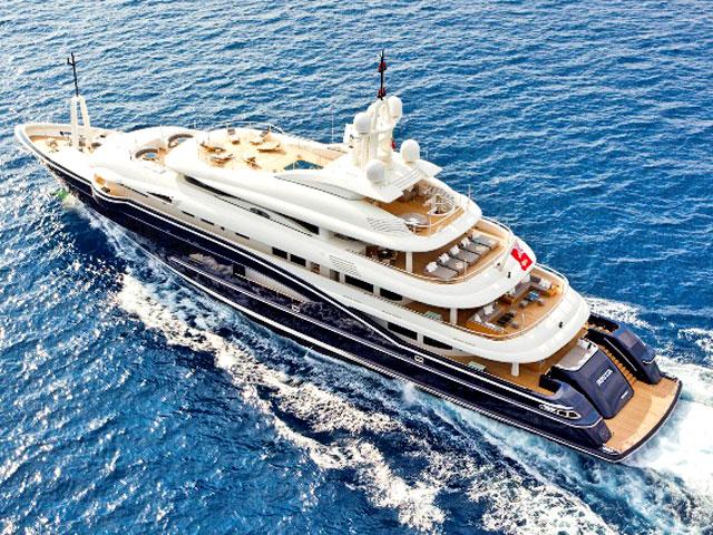 Мега яхты - для мега проекта в Перама