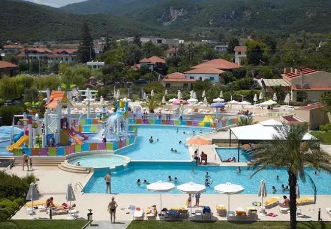 Як вплинули останні події в Греції на туризм в Олімпійській Рив'єрі...