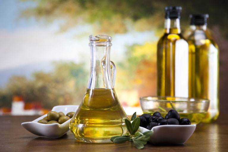 Греция в списке лучших мировых производителей оливкового масла.