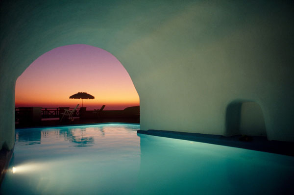 Huffinton Post: Santorini among 12 best destinations for couples in the world
