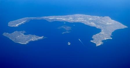 Санторини признан лучшим островом в мире по версии журнала Travel + Leisure