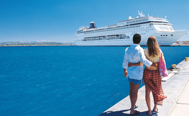 Более 100.000 круизных туристов посетили остров Корфу в июле