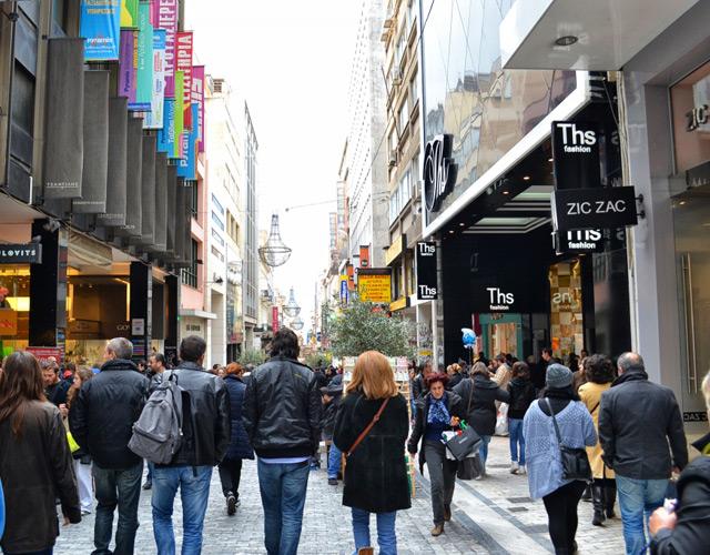 Праздничный режим работы в греческих магазинах.