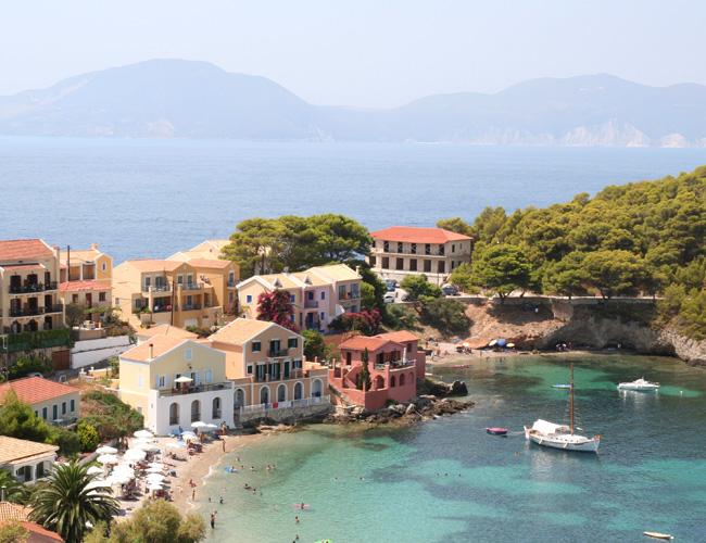 Квартиры в Греции подешевели на 30%