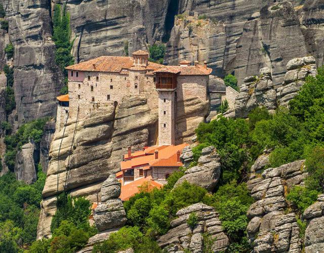 Три греческих монастыря вошли в список самых красивых монастырей мира.
